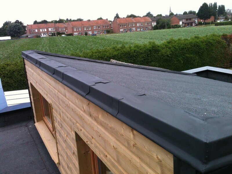 Pose membrane toiture